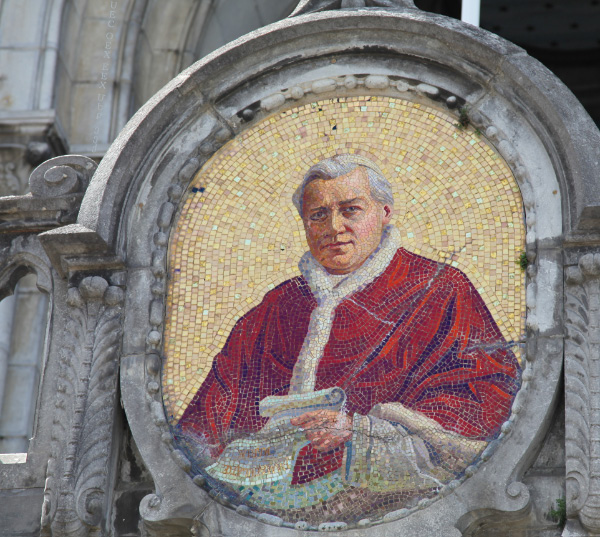 mosaic of Pope Pius IX in Lourdes