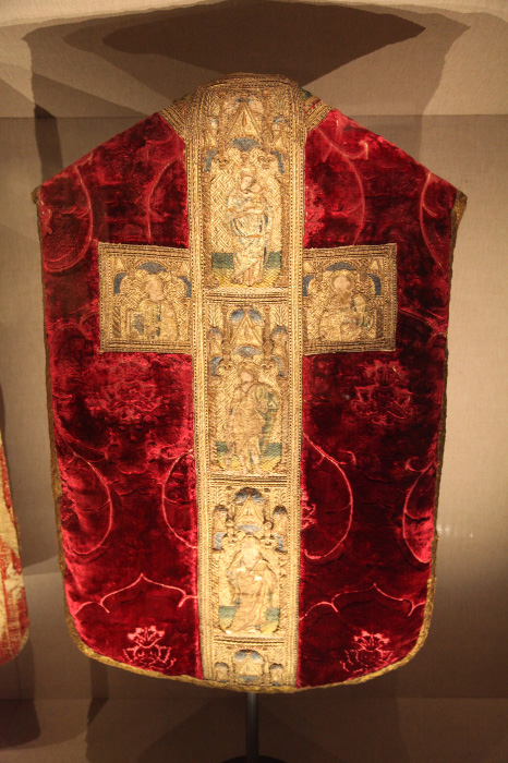 Catholic and orthodox liturgical vestments