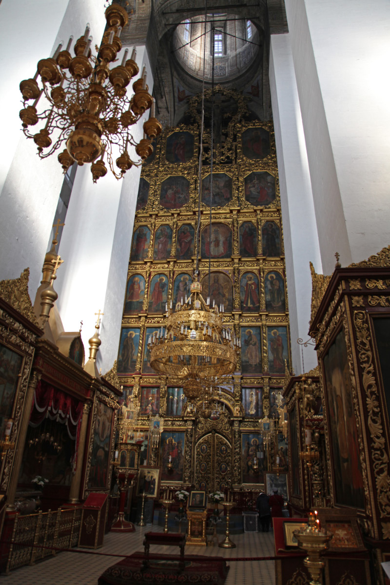 seven row iconostasis in the Trinity Cathedral of Pskov