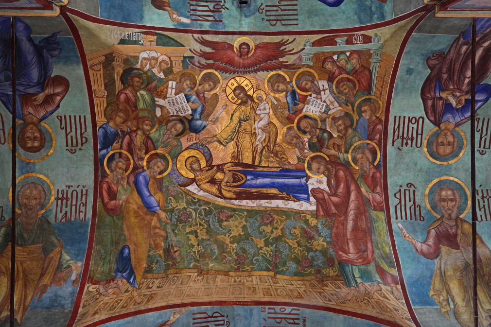 in European Christendom 17th c. frescos on ceiling vault of the 16th. c. Dormition Cathedral (or Assumption Cathedral) - Успенский Собор