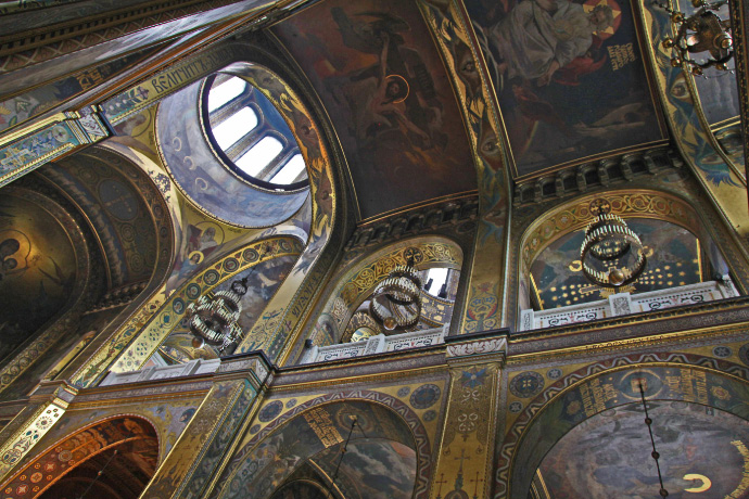 Cathedral of Saint Volodymir in Kyiv ceiling